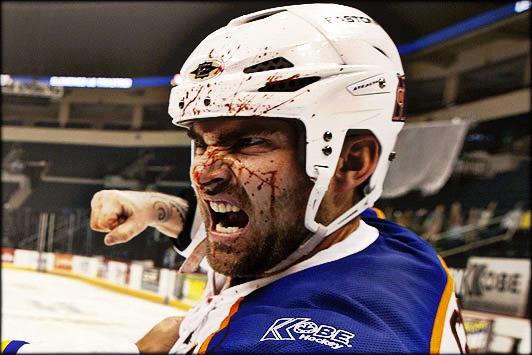 Hokej, oaza batina i besa: scena iz kanadske komedije Goon o životu trećerazrednog hokejaša Dogga Glatta