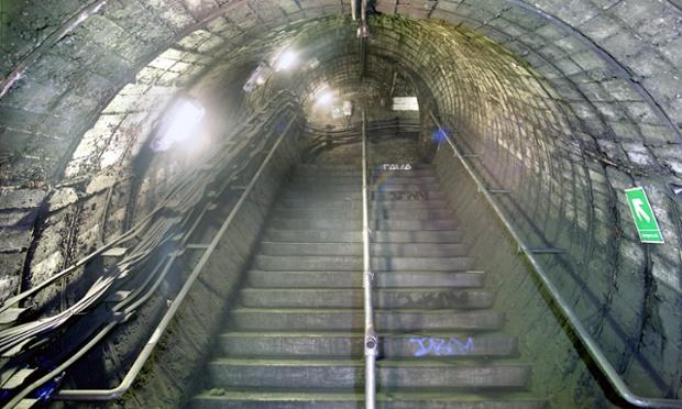 Metro stanica North End u blizini londonskog Hampstead Heatha nikada nije korišćena. Foto: Nick Catford/Subterranea Britannica/ The Guardian