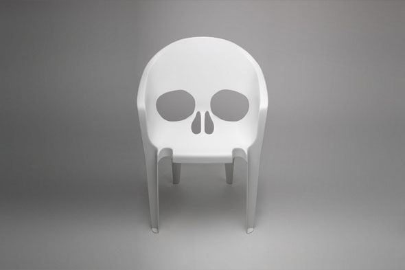 Monobloc-Chair-Remake-by-Pool-01