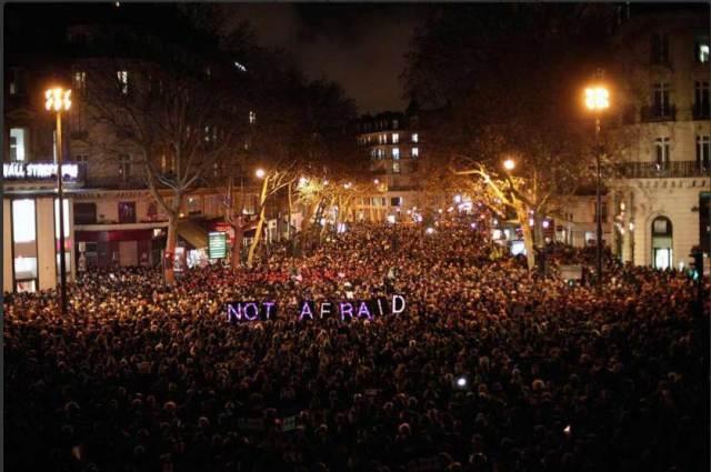 Masovno okupljanje posvećeno žrtvama terorističkog napada na redakciju satiričnog nedeljnika Charlie Hebdo, Pariz (7.jan)