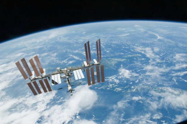 Međunarodna svemirska stanica u februaru 2010. godine (NASA)