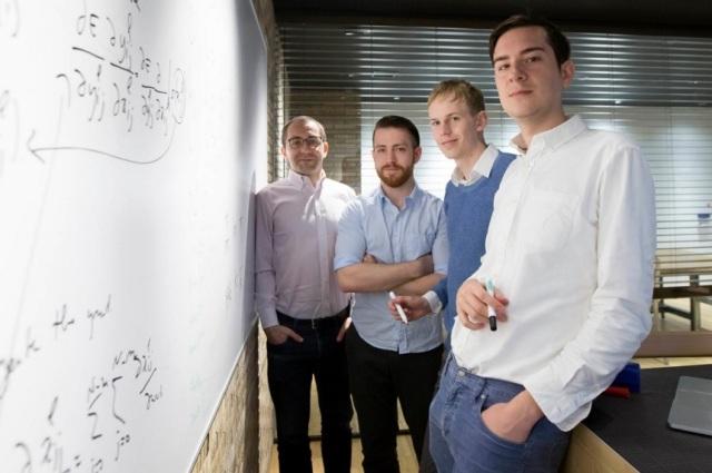 Sleva nadesno: analitičar podataka Dejvid Malkin, procesorski inženjer Džozef Bulard, Filip Iri i razvojni inženjer Filip Remi. Foto: Tomohiro Ohsumi/Bloomberg