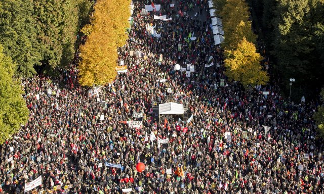 U Berlinu je prošle jeseni na hiljade ljudi protestovalo protiv TTIP. Foto: Axel Schmidt / Getty Images