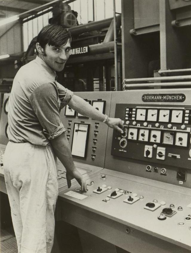 """Gastarbajter (gastarbeiter,""""gostujući radnik""""): sezonski radnici koji su se 1960-ih i 1970-ih doseljavali u Zapadnu Nemačku"""