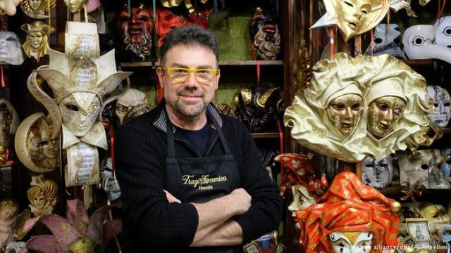Gvaltjero Dalosto, majstor ručne izrade karnevalskih maski