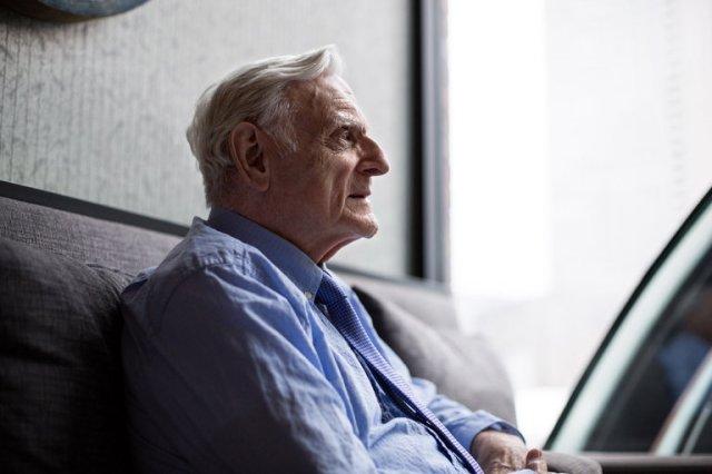 Džon Gudenau (94), jedan od izumitelja litijum-jonske baterije, a sada s revolucionarnim patentom za još napredniju vrstu baterije (Foto: Kayana Szymczak za The New York Times)