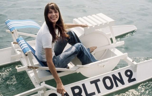 Džejn Birkin i povratak u detinjstvo u pedalinu.