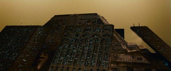 Za svoj film Blade Runner, Ridli Skot je vizuelnu inspiraciju našao u arhitekturi italijanskog futuriste Antonija Santelije