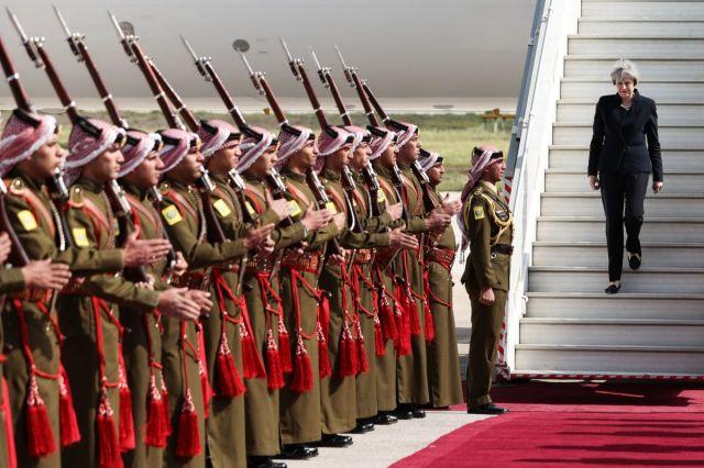 Britanska premijerka Tereza Mej po sletanju u Aman, Jordan, 3. april (Simon Dawson/Bloomberg)