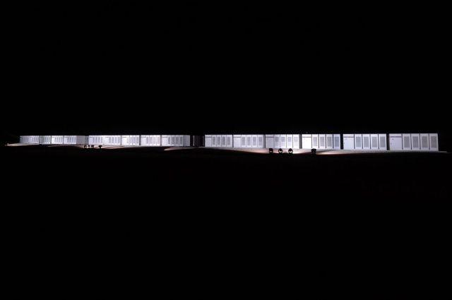 Strujni agregati i najveća litijum-jonska baterija na svetu tokom demonstracije kompanije Tesla na vetro-farmi Hornsdejl Južna Australija, 29. septembra (Carla Gottgens/Bloomberg)