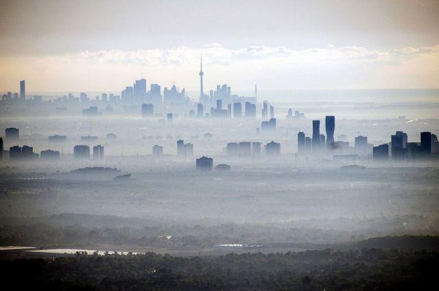 "Kula ""CN"" nad linijom horizonta u Torontu, Ontario, Kanada, 2. oktobra (James MacDonald/Bloomberg)"