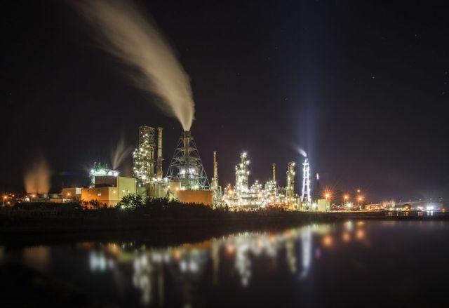 Para iz dimnjaka petrohemijske fabrike u Muroranu, Japan, 27. oktobra (Eiji Ohashi/Bloomberg)