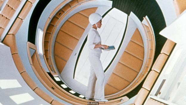 """Žene se u """"Odiseji u svemiru"""", pojavljuju sa više odeće, ali ne i propratnih dijaloga"""
