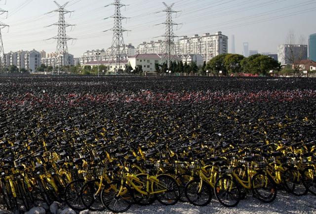 30. Bicikli raznih bajk-šering servisa kompletno zapremaju veliki privremeni parking u Šangaju 23. nov 2017, Aly Song/ Rojters)