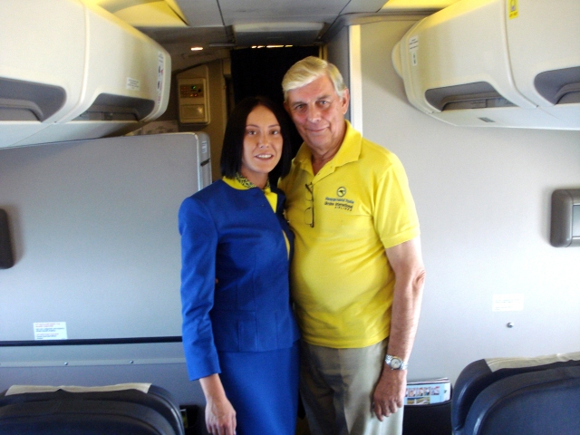 Fred Finn i ukrajinska stjuardesa