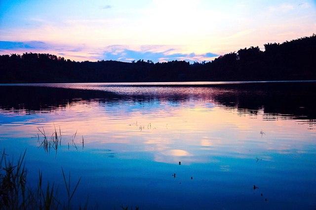 Prizor s jezera Guju u gradu Longčang, jugoistočno od provincije Sečuan početkom avgusta. [Photo bi You Zixiou/ China Daily]