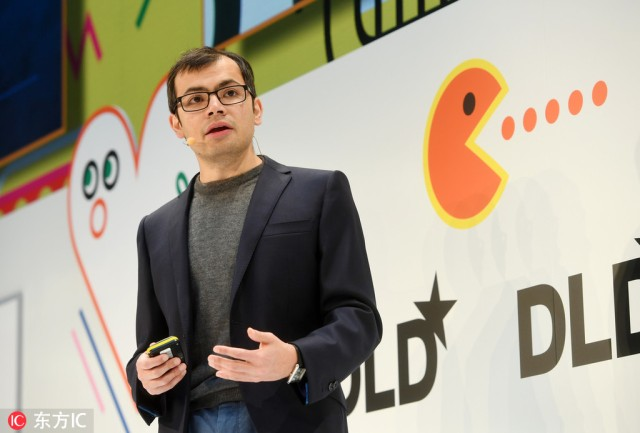 Demis Hassabis, ekspert za razvoj softvera i koosnivač kompanije DeepMind Technologies, govori na konferenciji u Minhenu, Nemačka, 16. januara 2017. [Photo / IC]